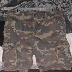 Camo American eagle cargo shorts